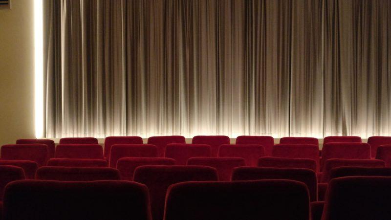【アナ雪2】映画を幼児が観るおすすめの席は?男の子が観た感想も